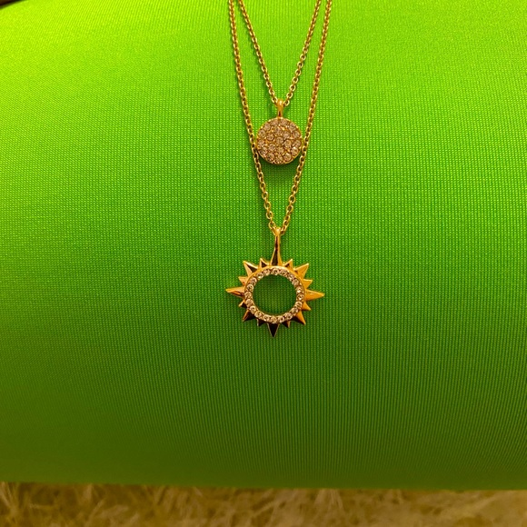 Lilly Pulitzer necklace☀️